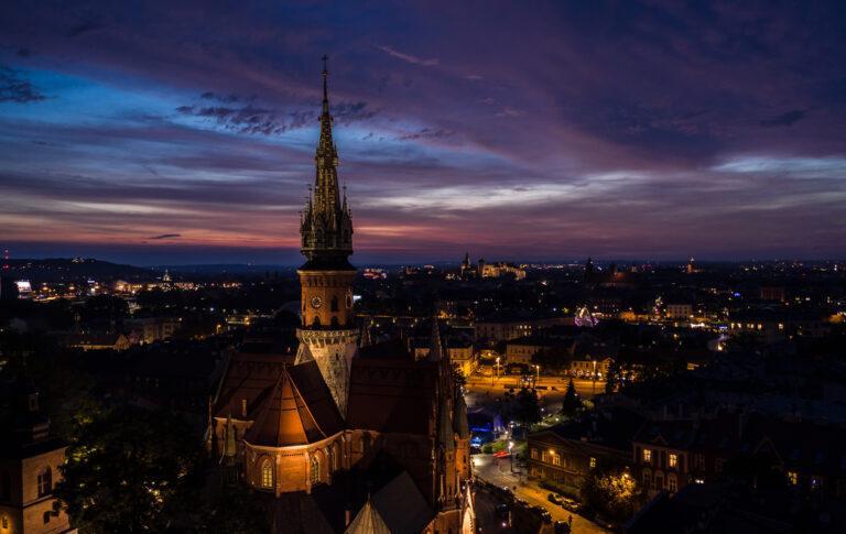 Kościół św. Józefa w nocy Kraków